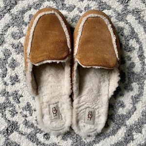 Ugg Lane Slip on Loafer.